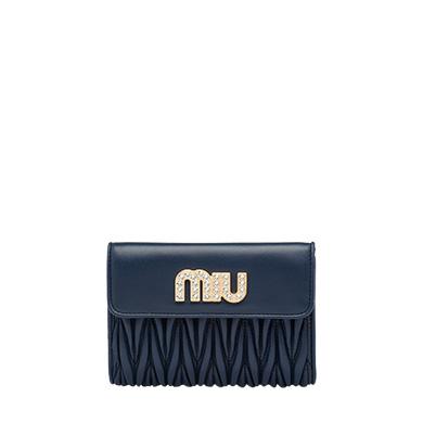 40代に似合うミュウミュウの財布